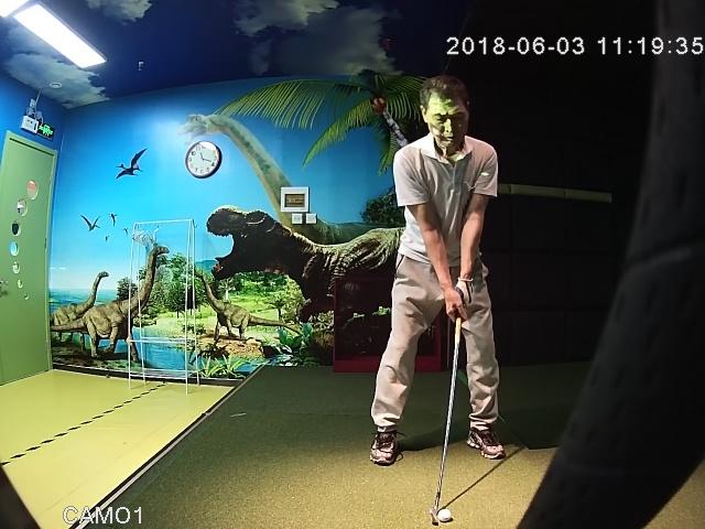 戴博元(dave dai)的室内高尔夫挥杆视频