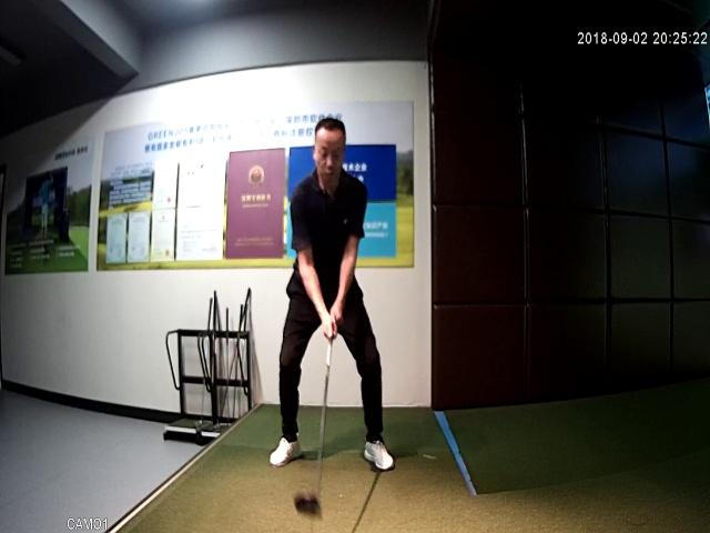 东辰星高尔夫三菱电机空调的挥杆视频_模拟_室内